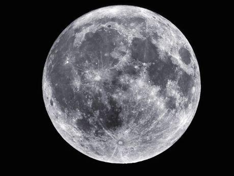 """Esta noche se podra ver la """"Super Luna"""""""