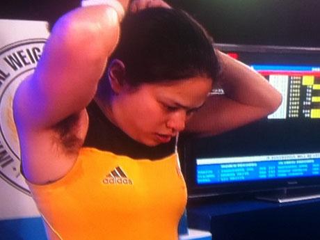 Las axilas de una levantadora de pesas australiana provocaron diversos